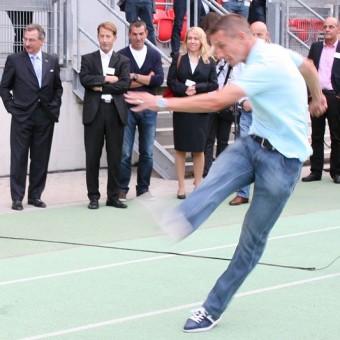 Profi Marek Mintal am Ball