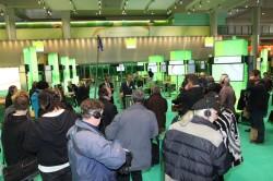 Vorstand Dr. Mayr erklärt die Highlights des DATEV-Messeauftritts